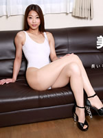 High-leg beauty who provokes with beautiful legs: Hikaru Kurokawa