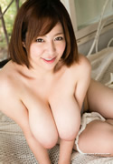 Ran Niiyama 新山らん thumb image 02.jpg